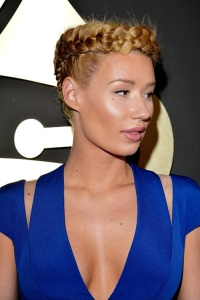 This is Iggy's hair.  Looks bad right?